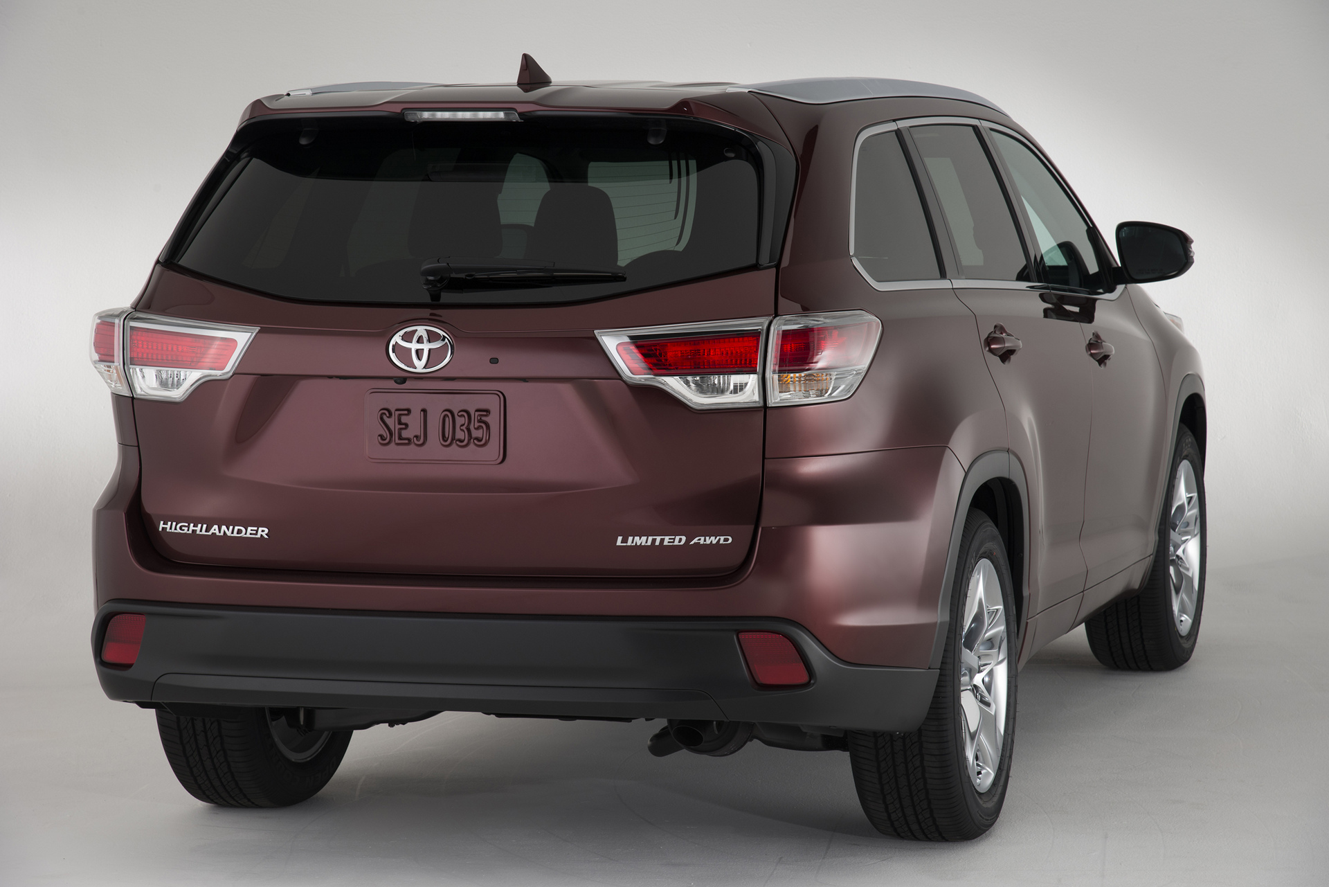 2016 Toyota Highlander Review Carrrs Auto Portal