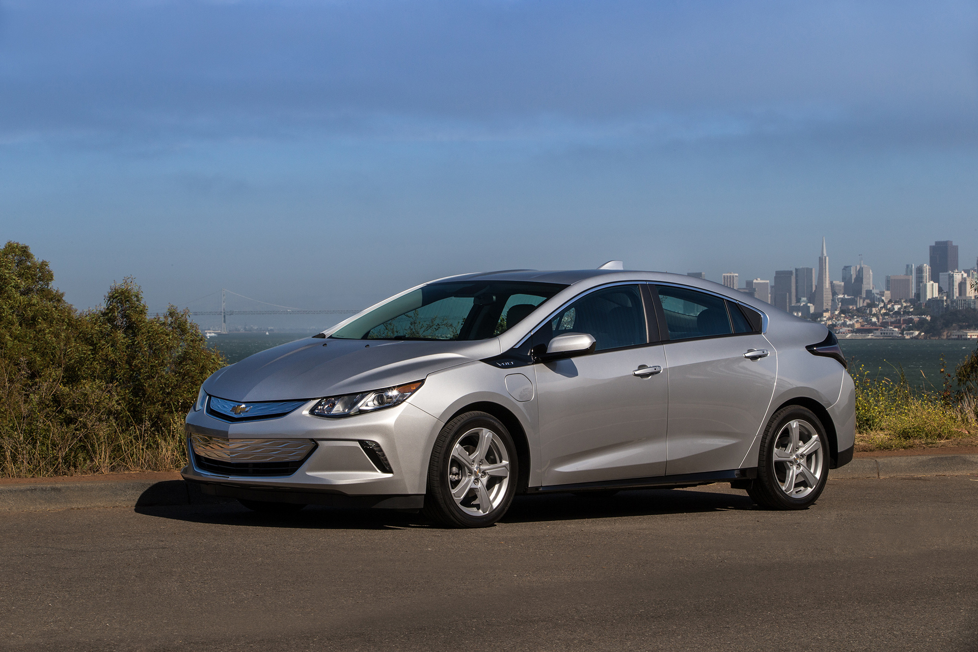 Best Hybrid and Electric Cars for 2016-2017