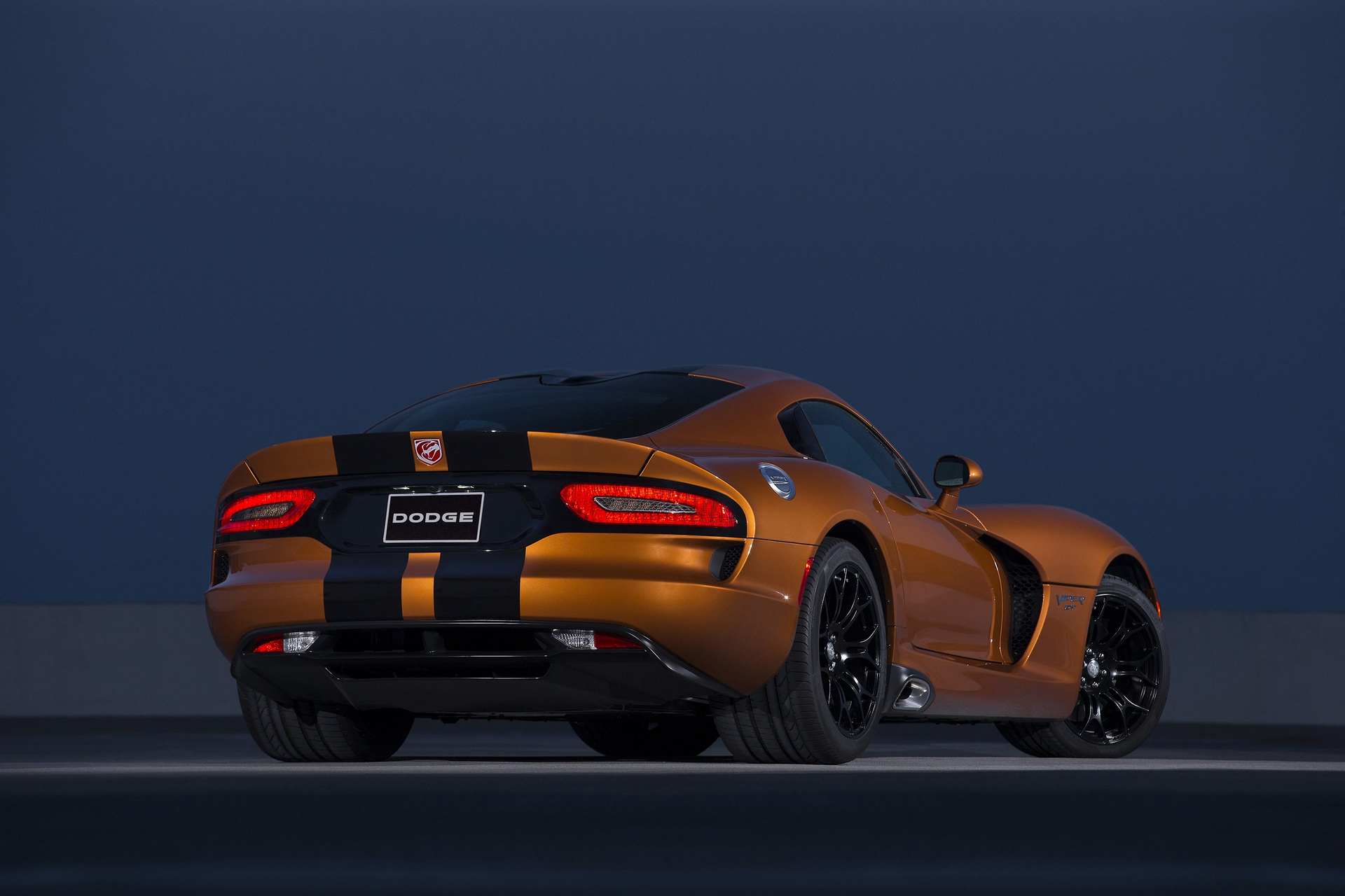 how much does a dodge viper cost