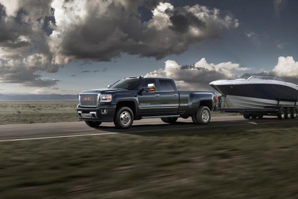 2016 GMC Sierra 3500HD Denali © General Motors