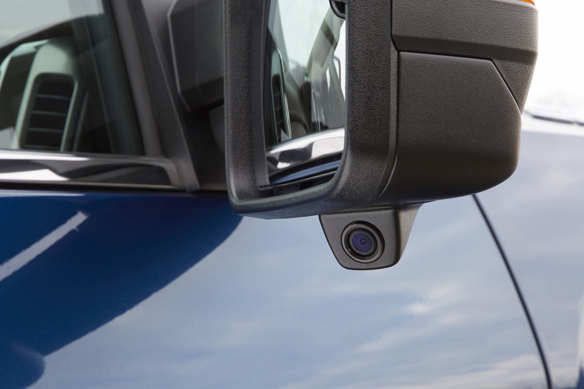 2016 GMC Sierra HD Accessories © General Motors
