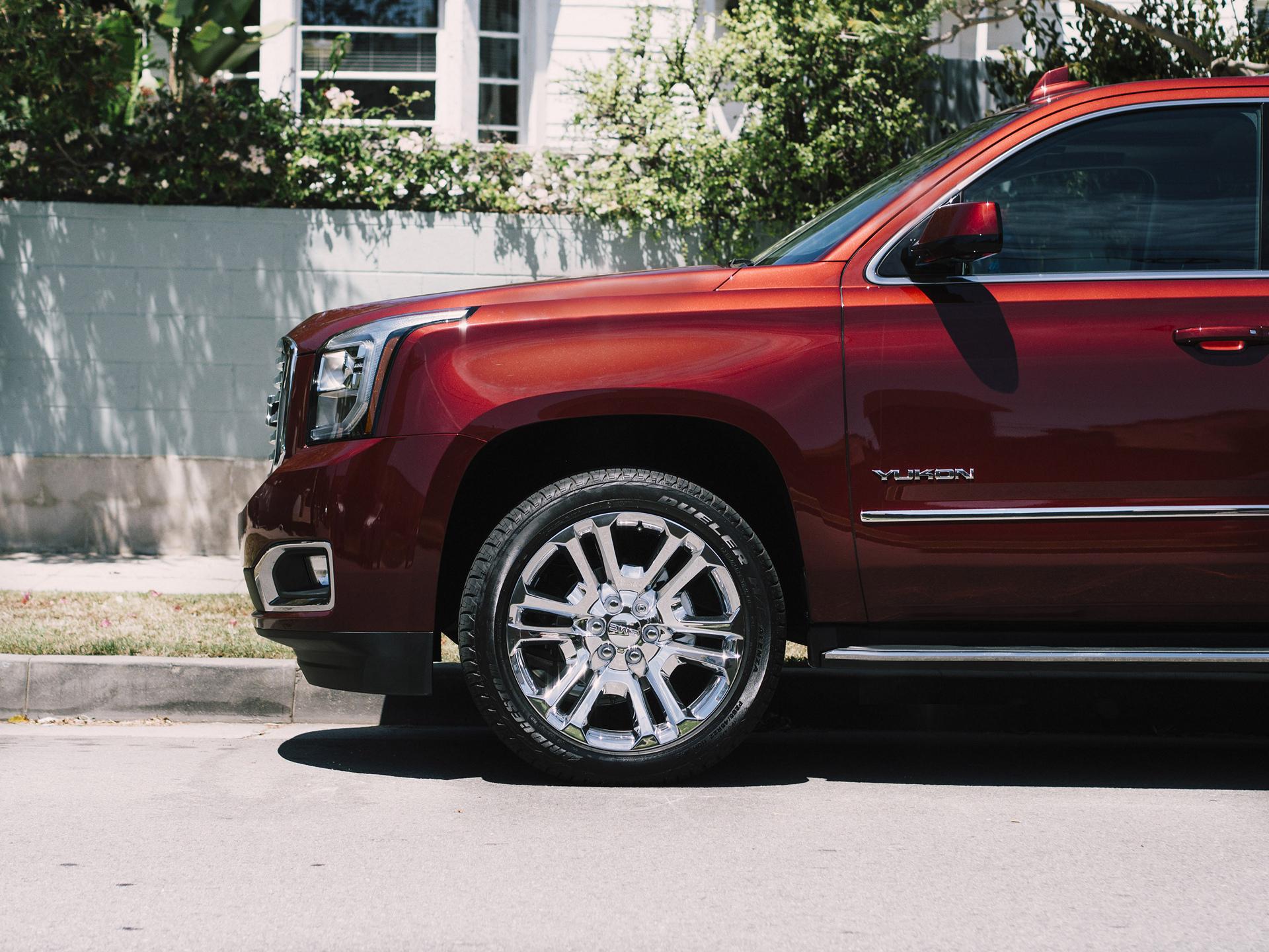 2016 GMC Yukon SLT Premium Edition © General Motors