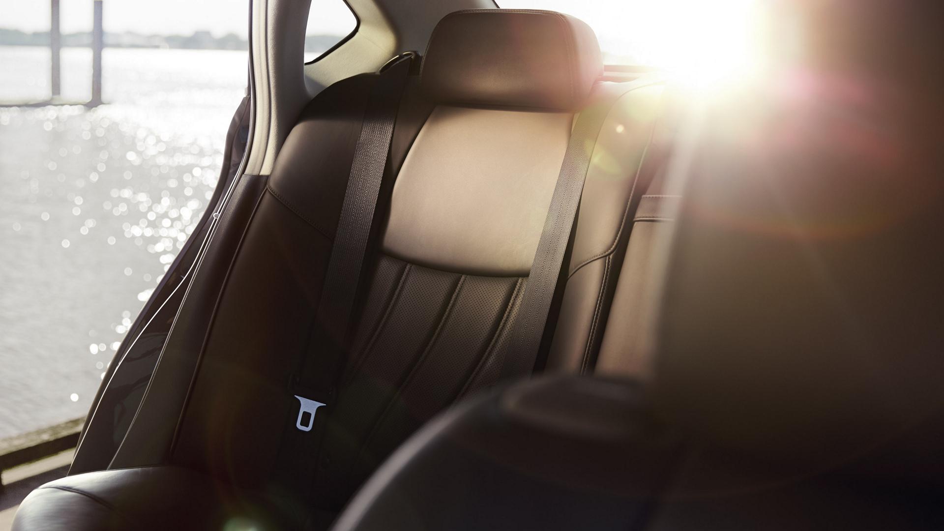 2016 Infiniti Q70L © Nissan Motor Co., Ltd.