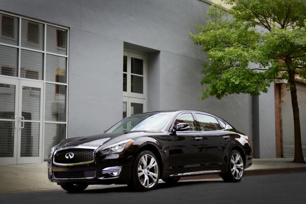 2016 Infiniti Q70L © Nissan Motor Co., Ltd.