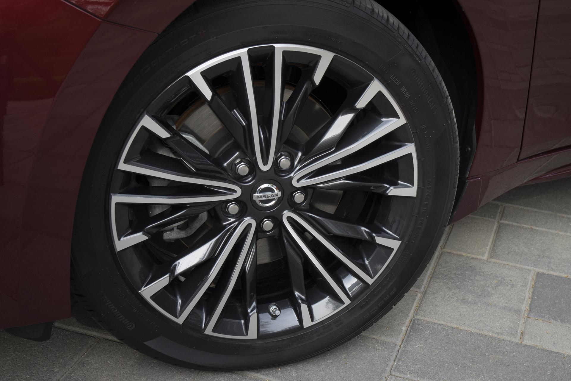 2016 Nissan Maxima Review Carrrs Auto Portal