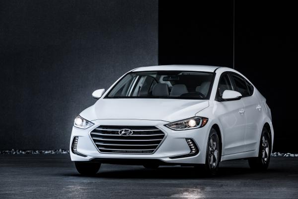 2017 Hyundai Elantra Eco © Hyundai Motor Company