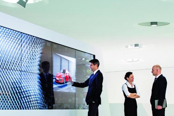 Oliver Klittich, Dr. Natascha Künstner, Knuth Walczak, Porsche Museum © Dr. Ing. h.c. F. Porsche AG