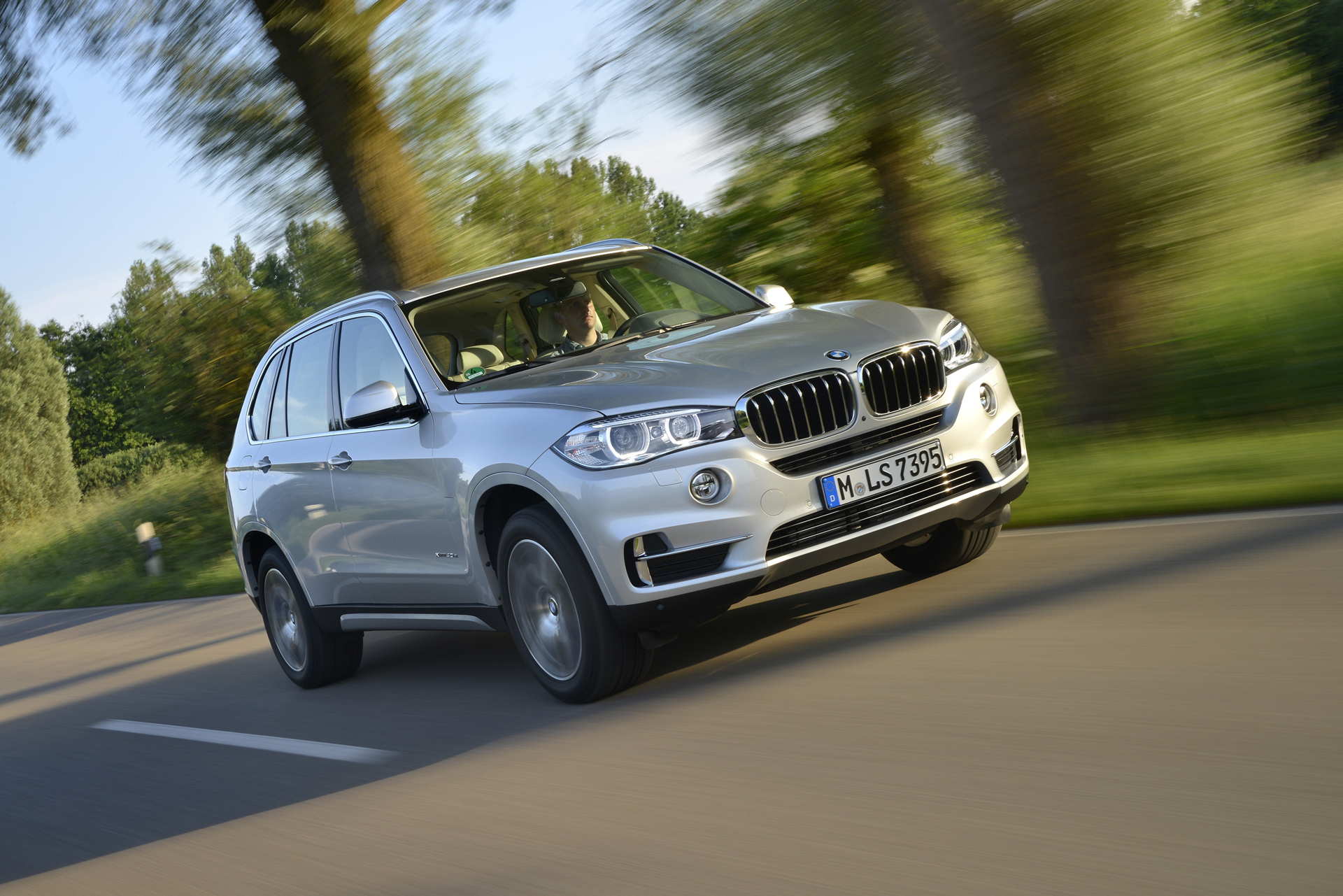 Best Luxury Midsize SUVs for 2016-2017