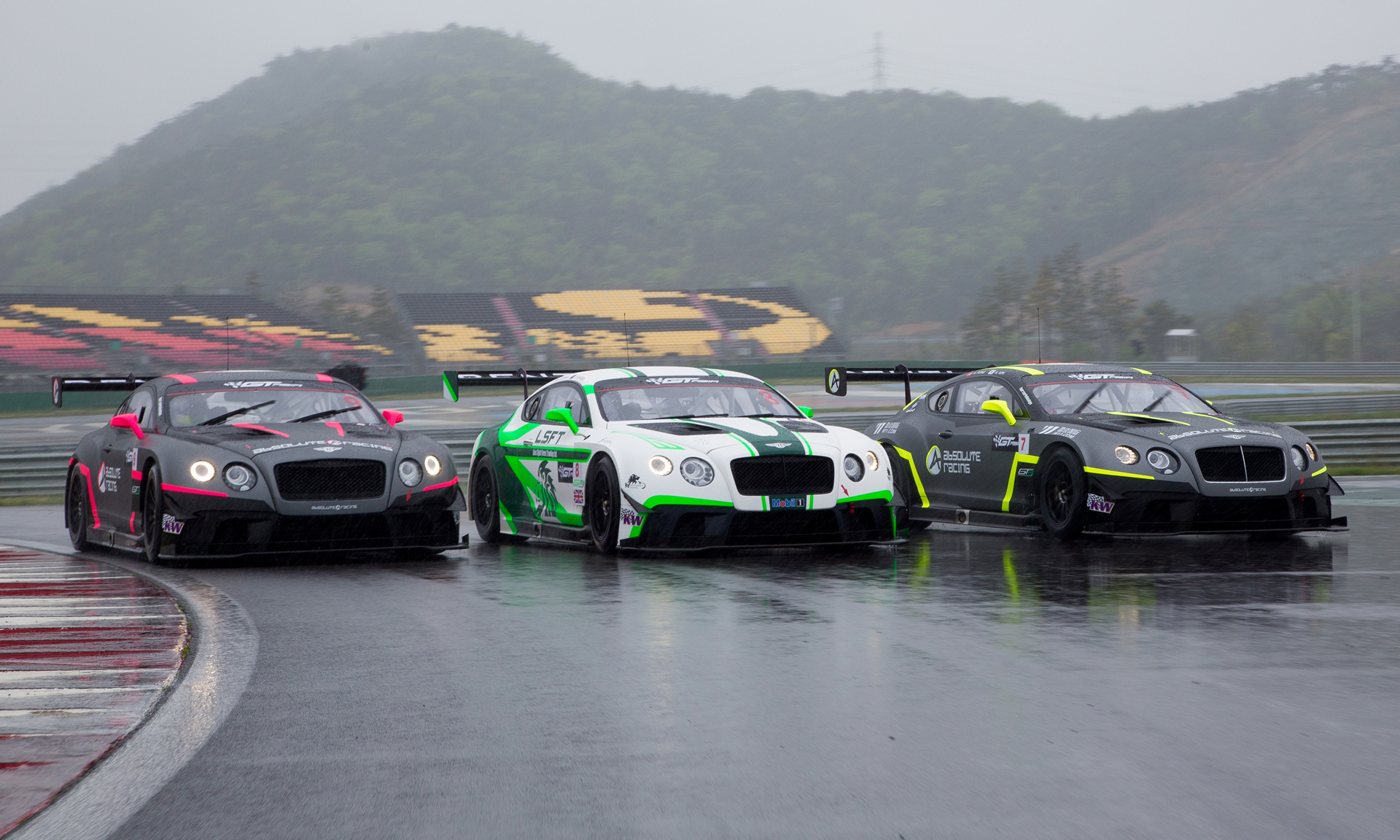 The three Bentley Team Absolute Continental GT3s © Volkswagen AG