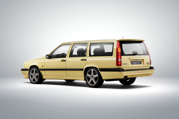 Volvo 850 T5-R © Zhejiang Geely Holding Group Co., Ltd