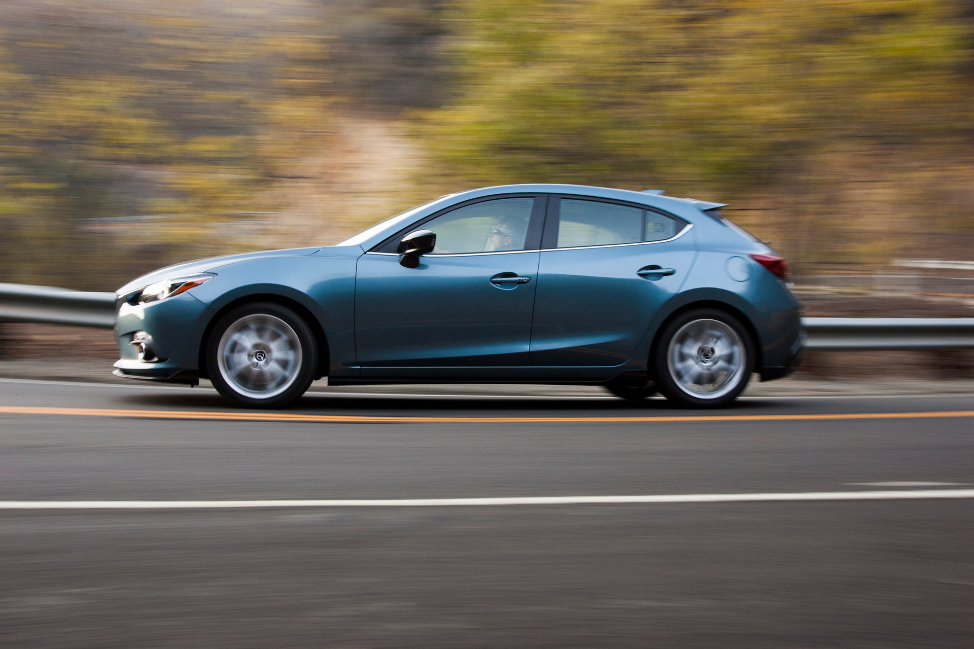 how much does a mazda 3 cost