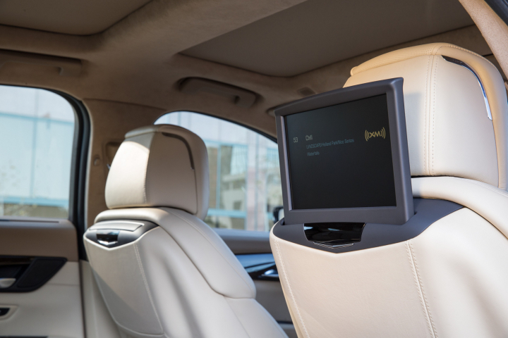 Cadillac CT6 Infotainment System Offers New Levels of Connectivity
