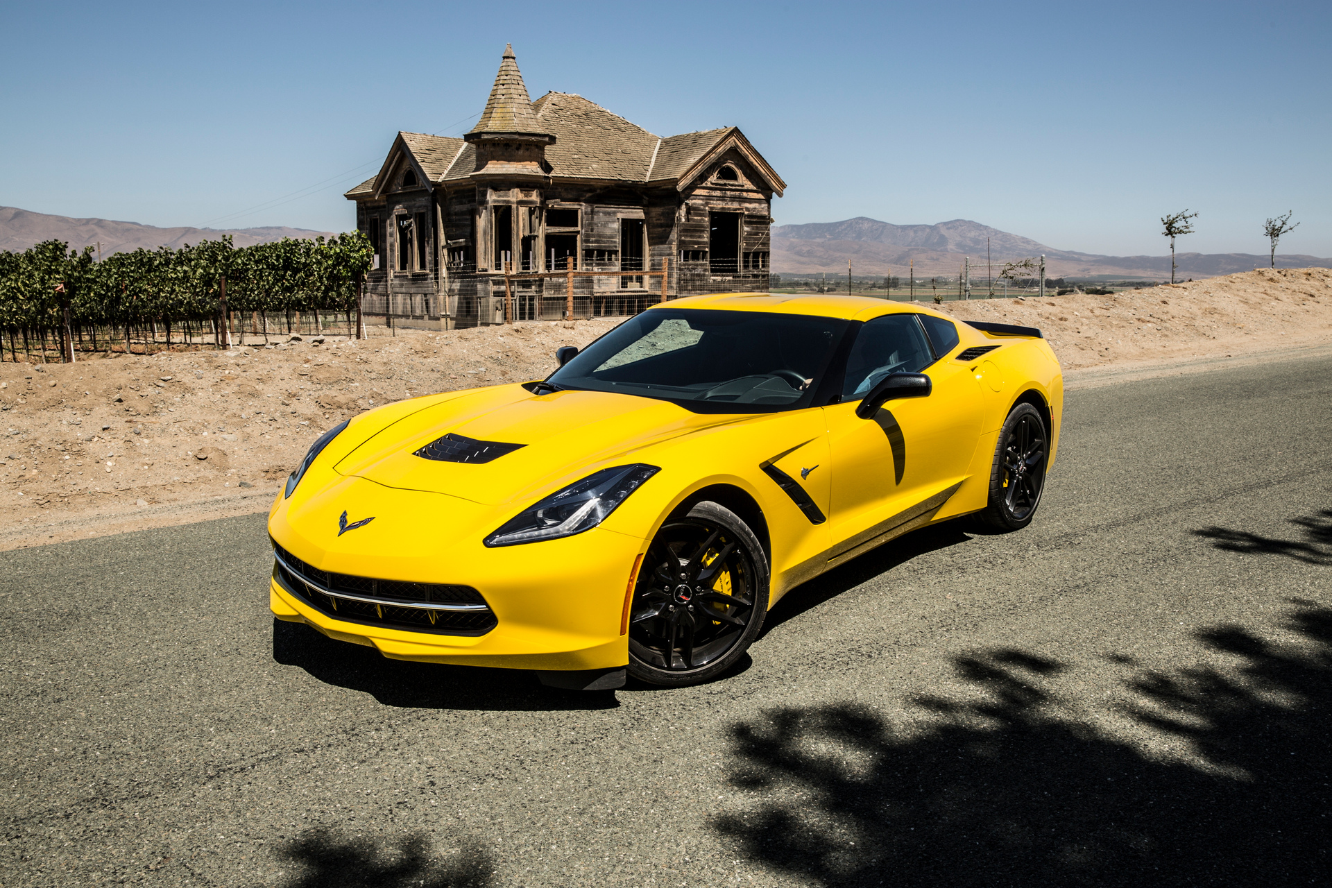how much does a chevy corvette cost carrrs auto portal. Black Bedroom Furniture Sets. Home Design Ideas