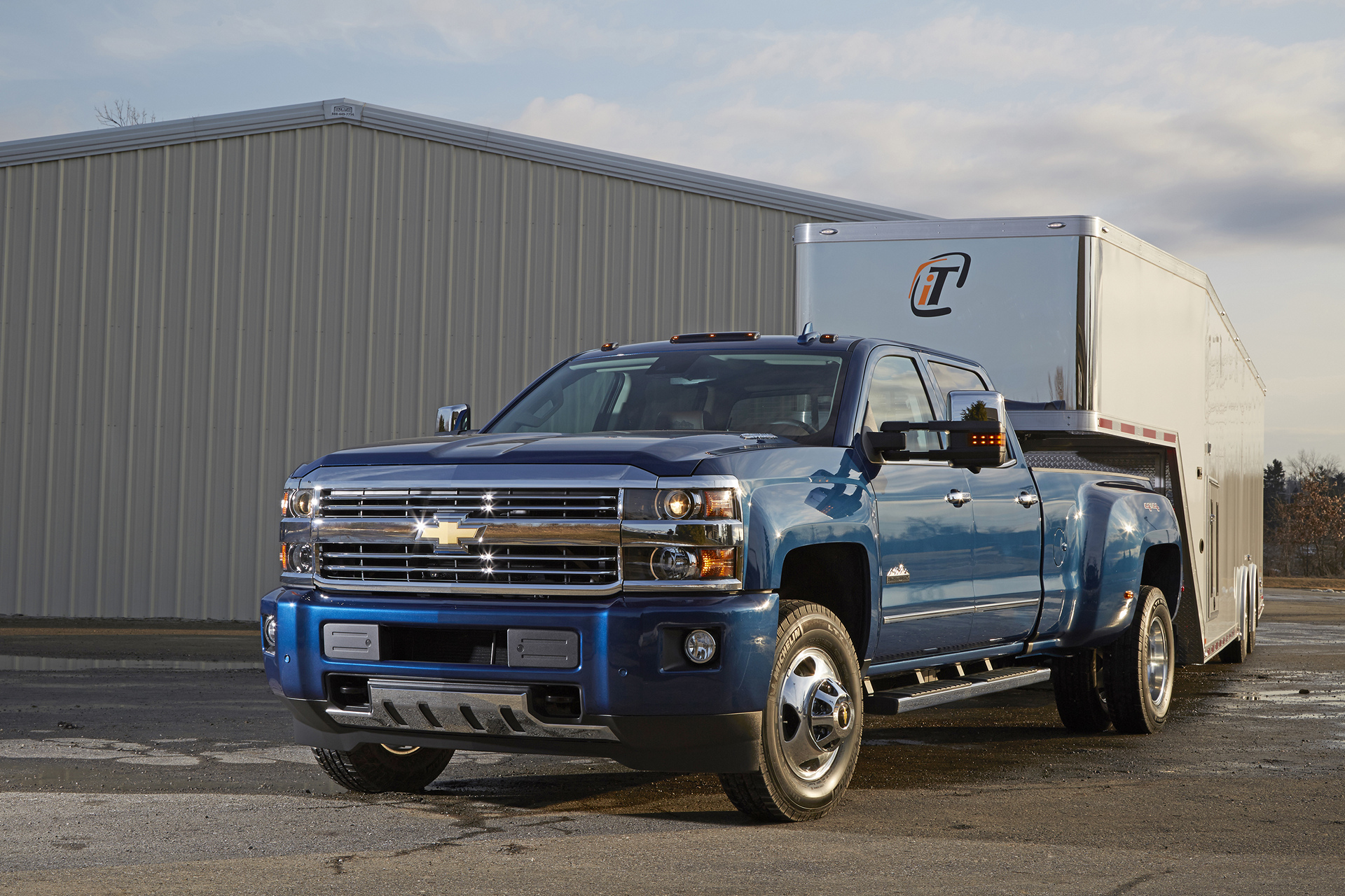 2016 chevrolet silverado hd review carrrs auto portal. Black Bedroom Furniture Sets. Home Design Ideas