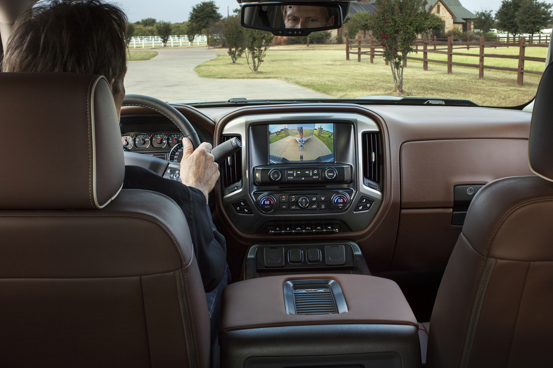 2016 chevrolet silverado review carrrs auto portal for Chevrolet silverado high country interior