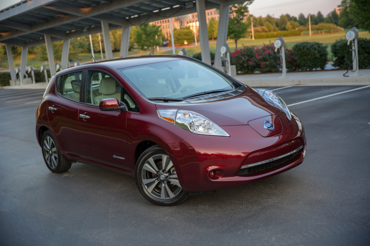 How Much Does a Nissan LEAF Cost?