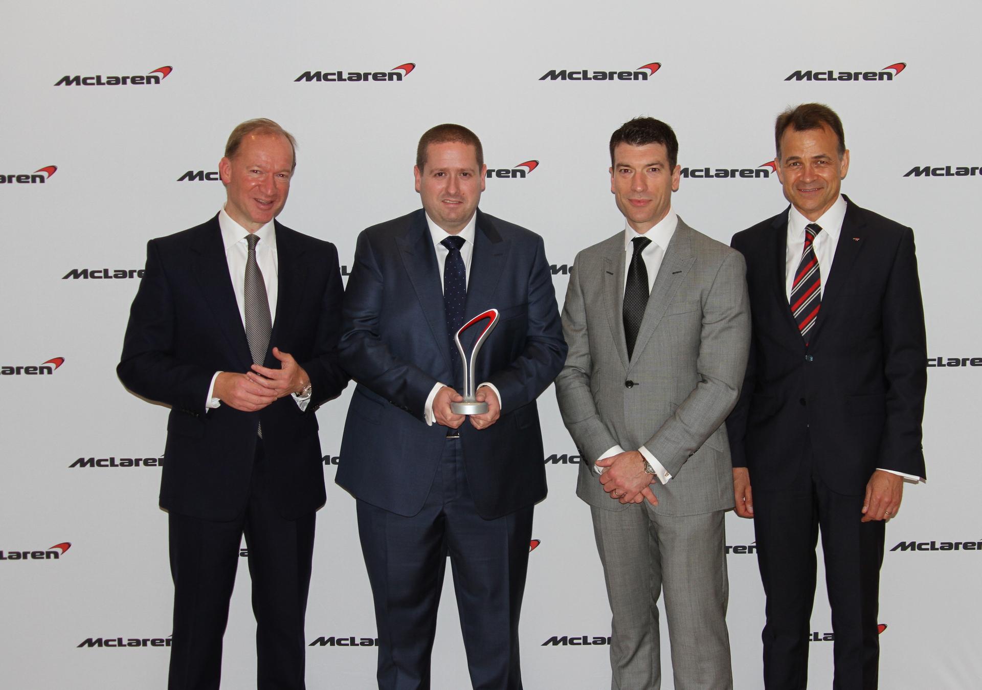 McLaren Glasgow named McLaren Global Retailer of the Year 2015 © McLaren Automotive