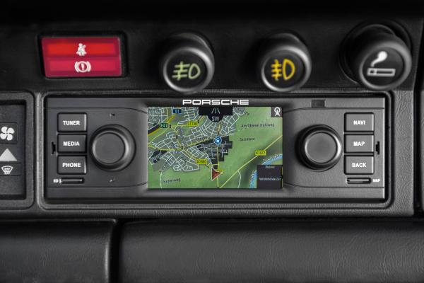 Porsche Classic Radio Navigation System © Dr. Ing. h.c. F. Porsche AG