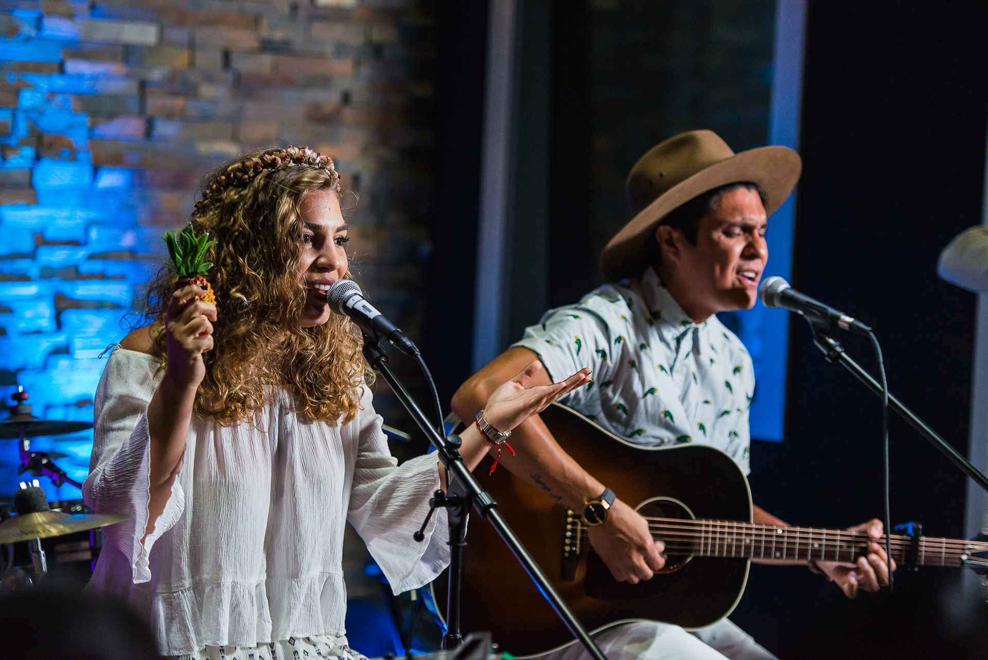 Periko & Jessi Leon, Latin Grammy Nominee Best New Artist closed the event with an acoustic performance © Ford Motor Company