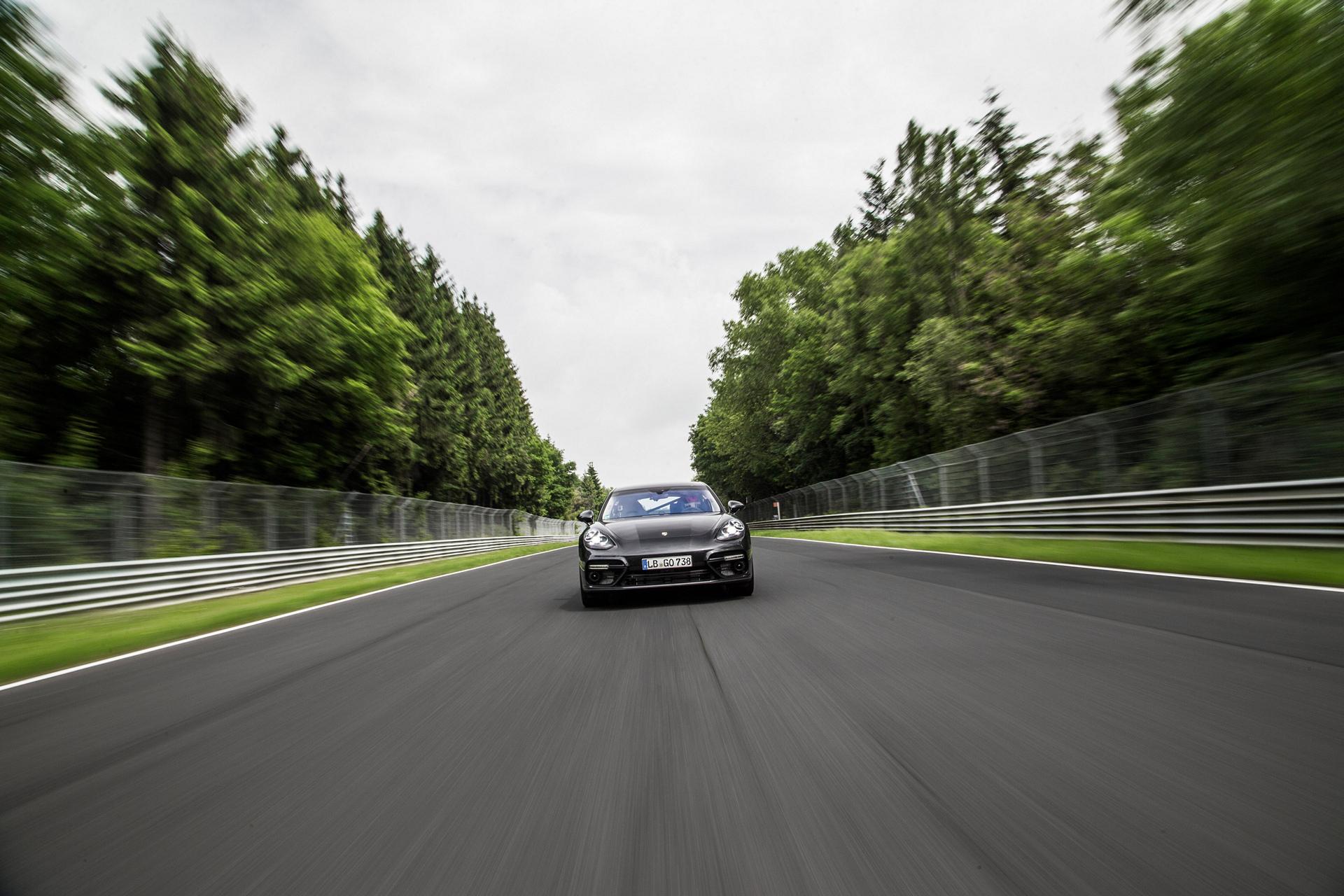 Porsche Panamera Turbo © Dr. Ing. h.c. F. Porsche AG