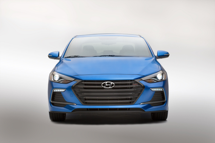 2017 Hyundai Elantra Sport Unlocks Passion, Power and Performance