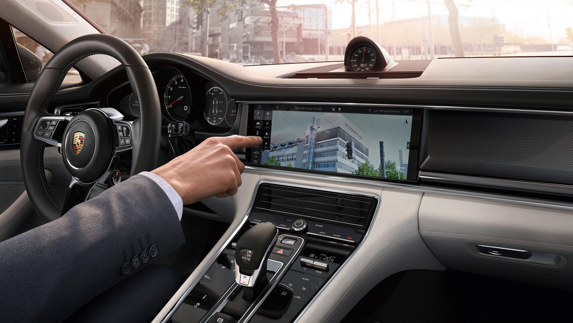 Navigation system, Google Street View, Porsche Connect © Dr. Ing. h.c. F. Porsche AG
