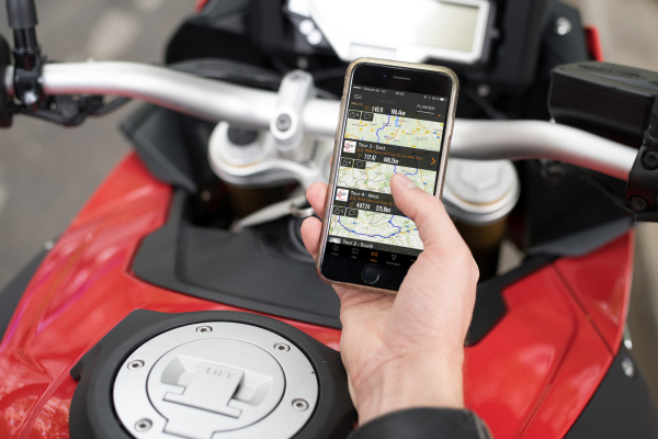 BMW Motorrad partners with mobile technology company Rever © BMW AG