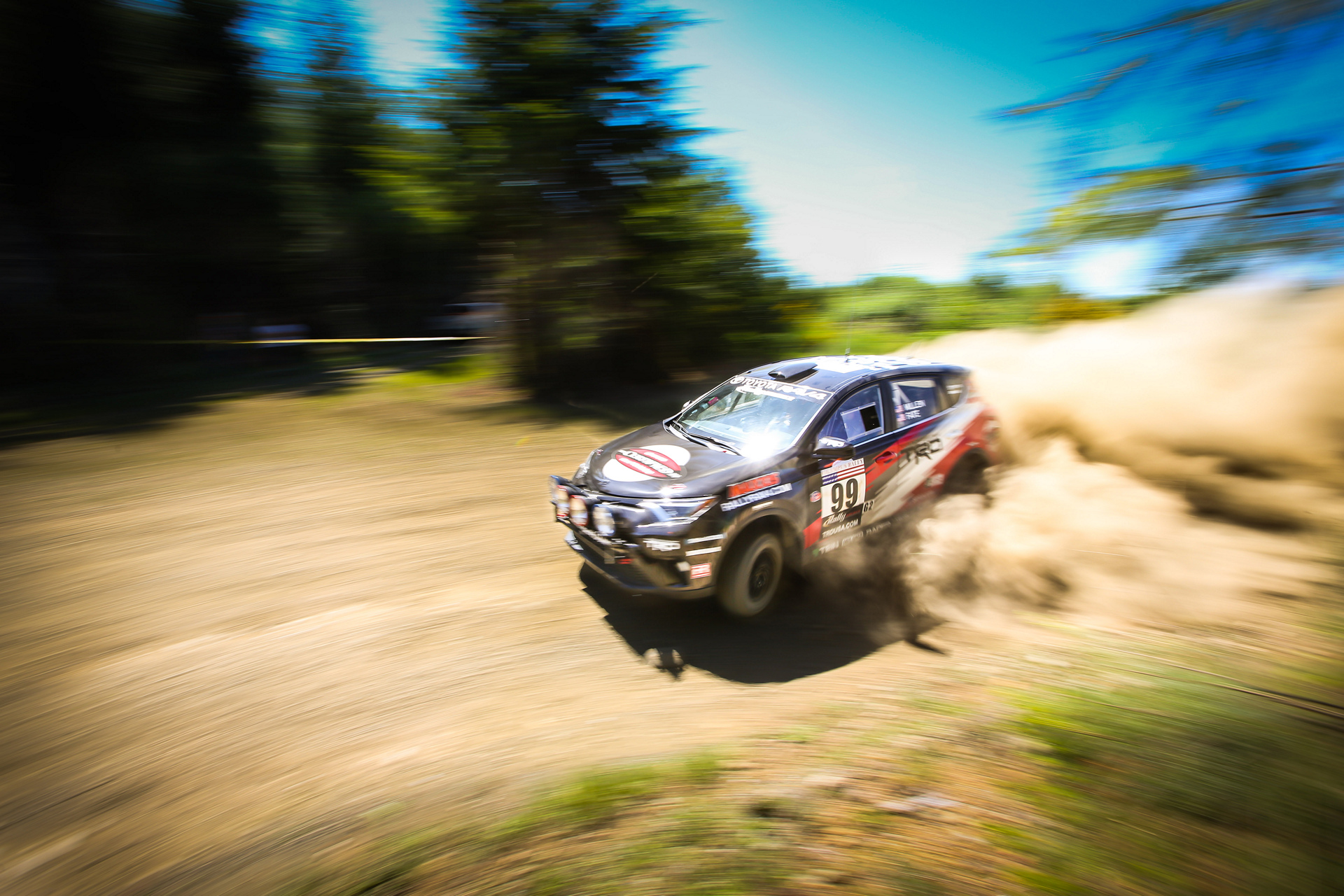 2016 Rally RAV4 © Toyota Motor Corporation