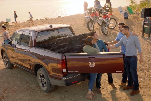 Honda Debuts New Hispanic Marketing Campaign for the All-New 2017 Ridgeline Pickup Truck © Honda Motor Co., Ltd.