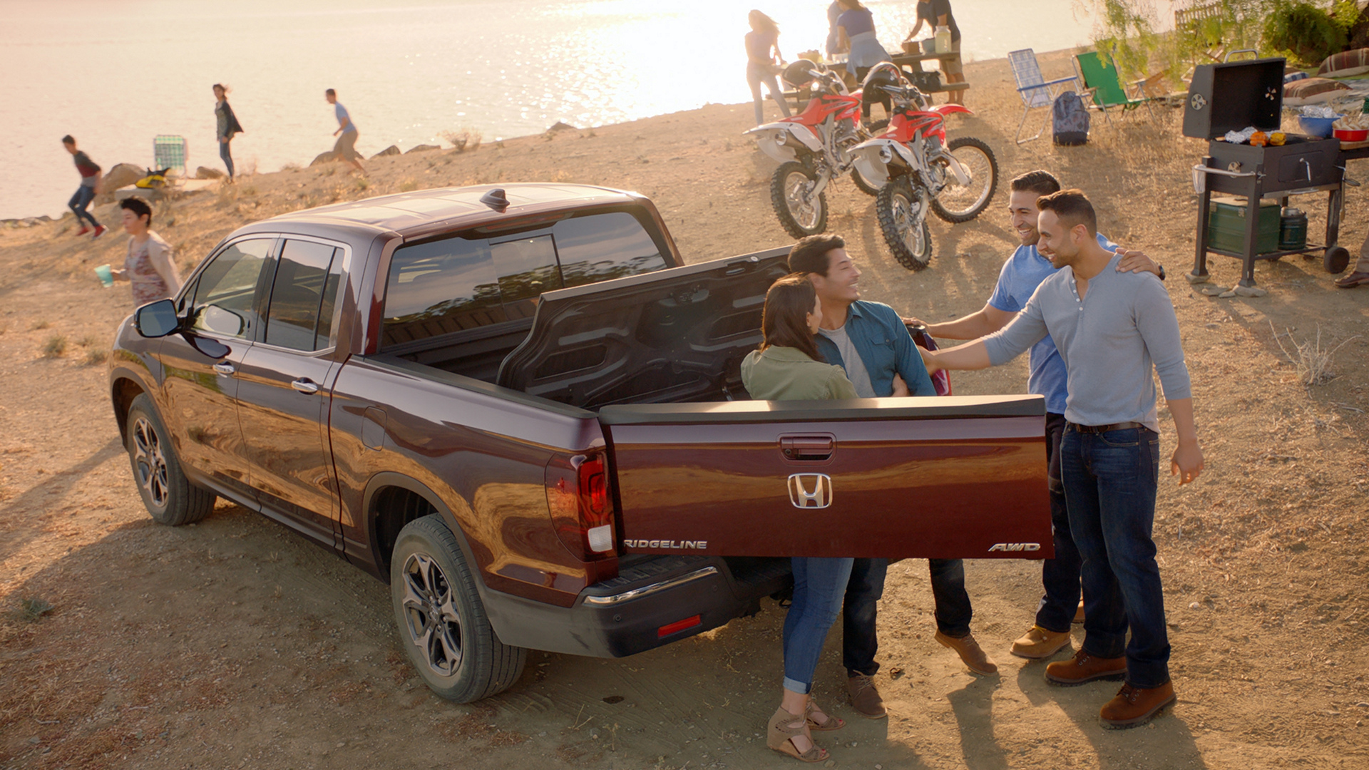 Honda Debuts New Hispanic Marketing Campaign for the All-New 2017 Ridgeline Pickup Truck © Honda Motor Co., Ltd.