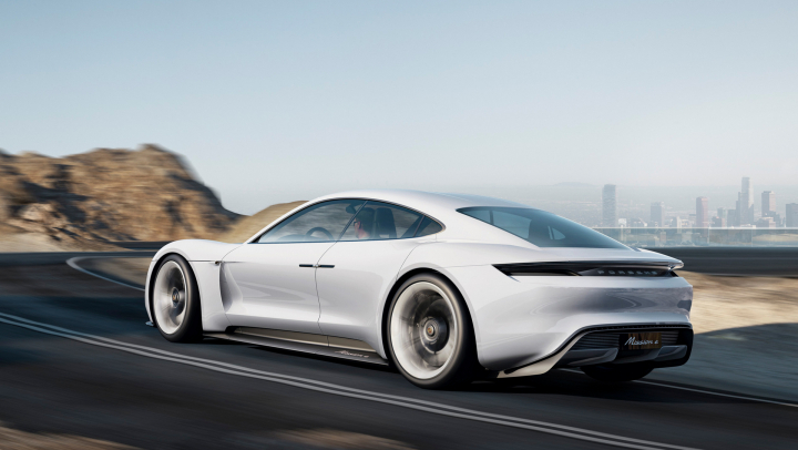 Porsche Advances the 800-Volt Charging