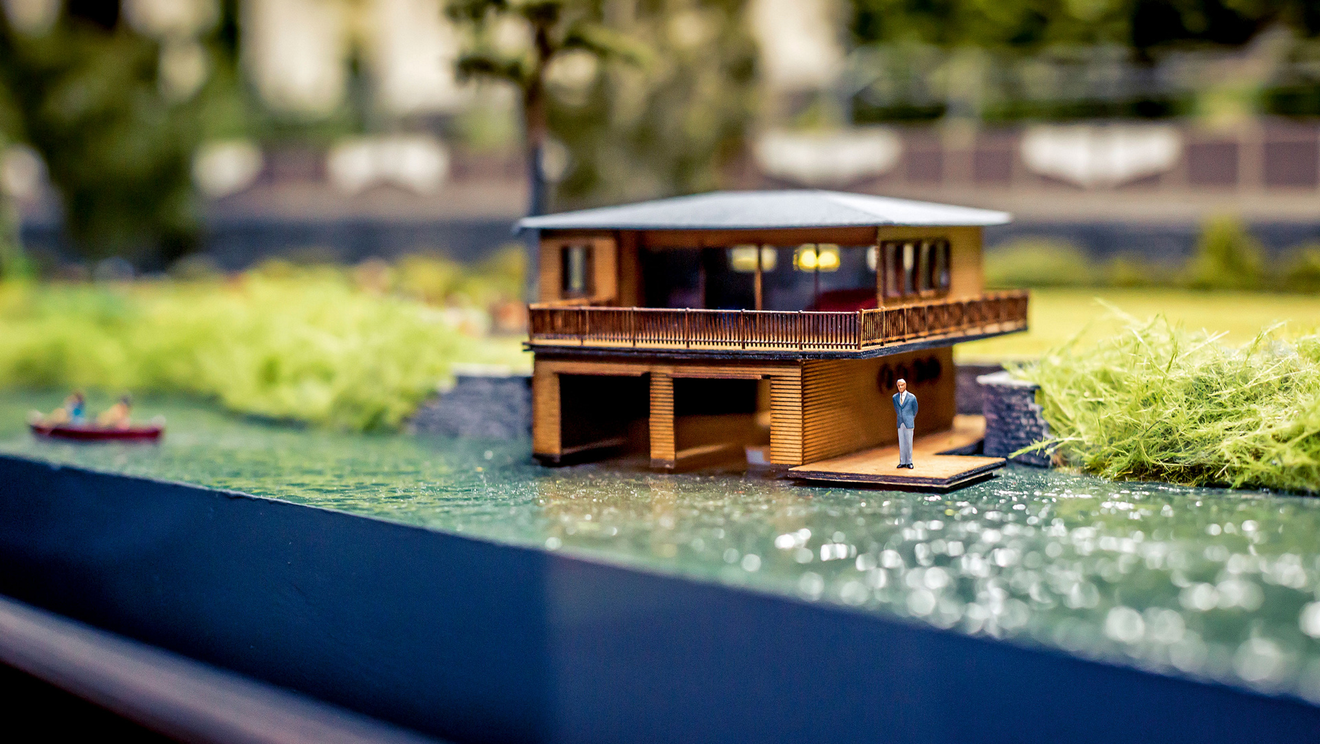 Miniature: Boathouse at the shores of Wörthersee, TraumWerk © Dr. Ing. h.c. F. Porsche AG
