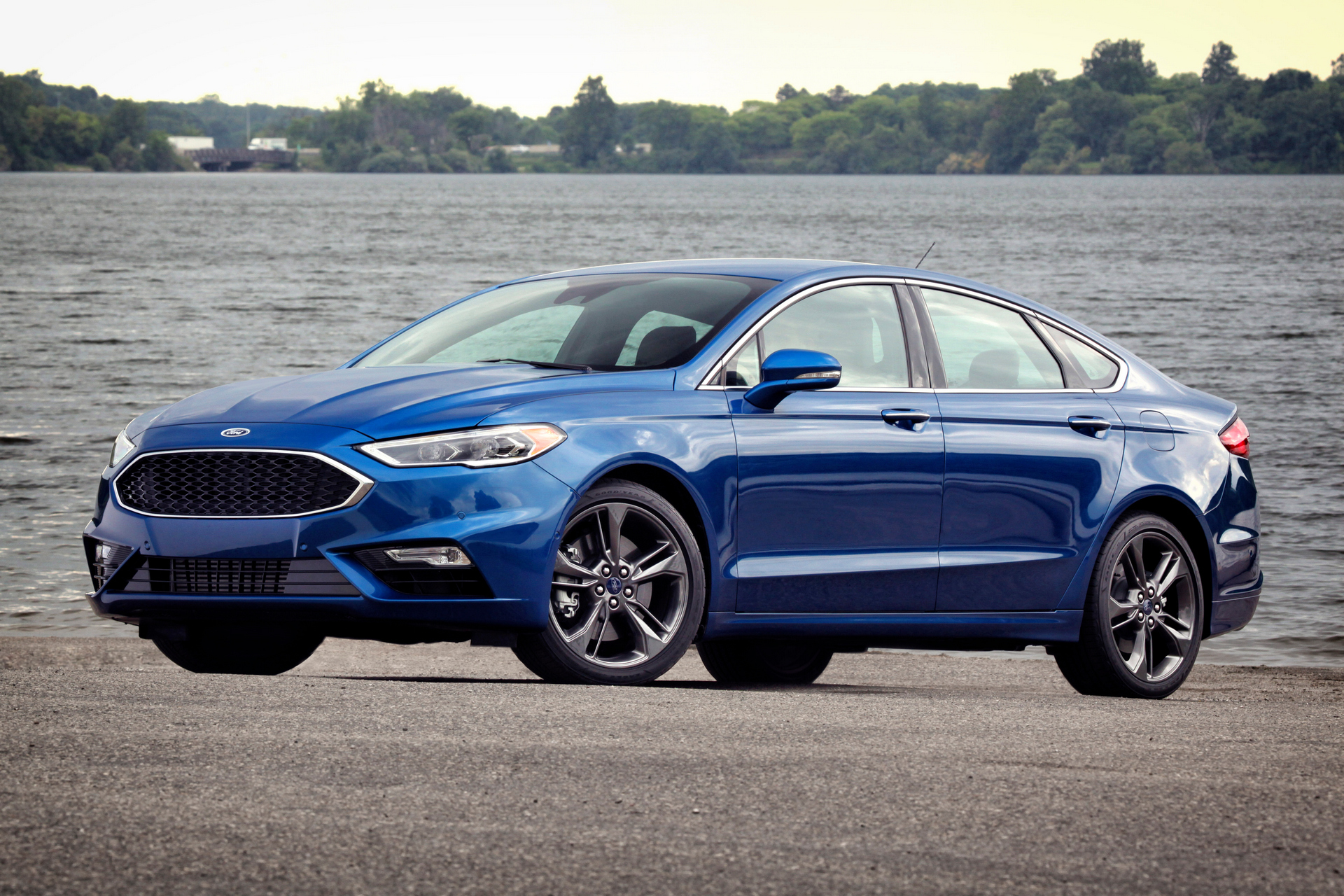 2017 Ford Fusion Sport Profile View © Ford Motor Company