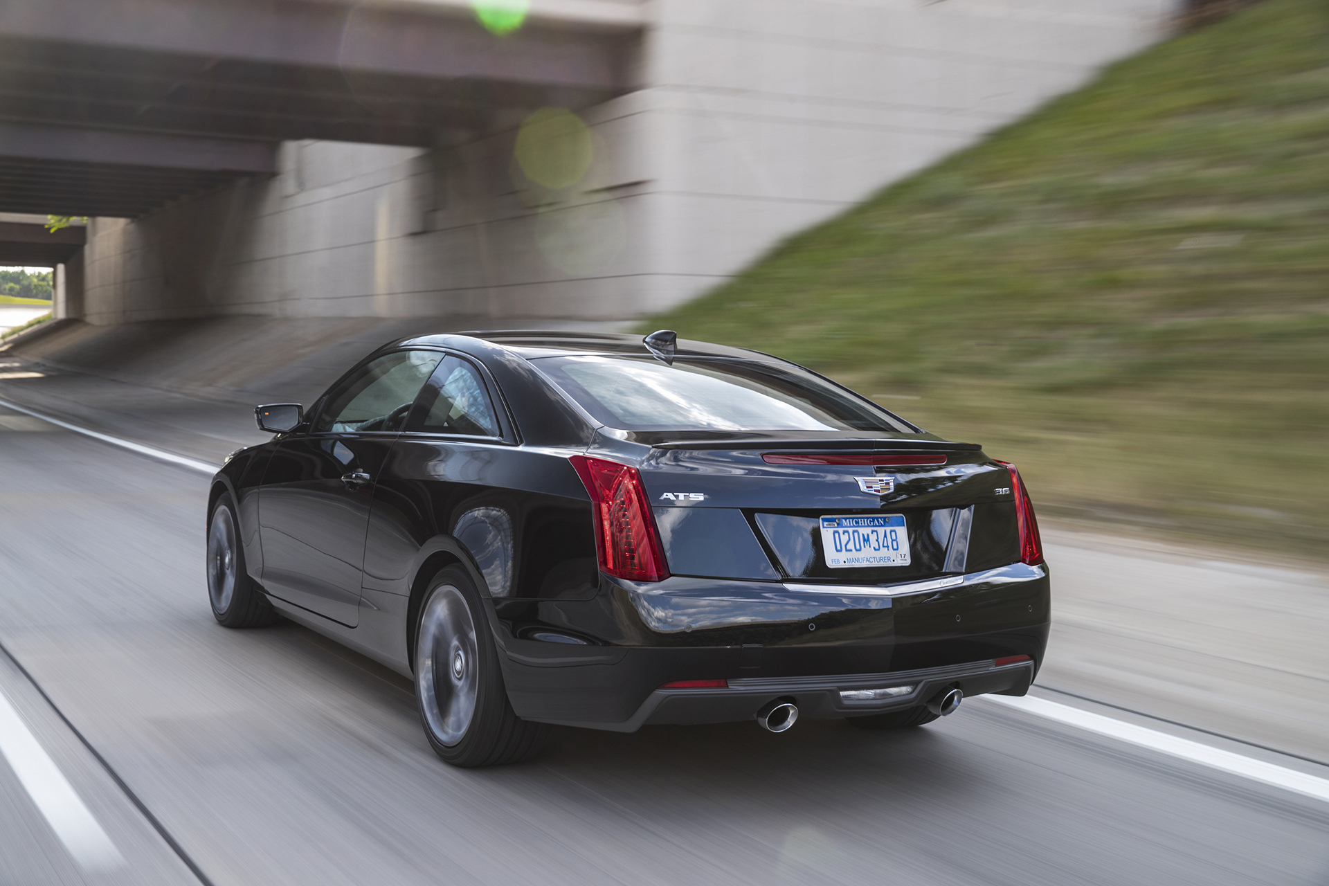 2017 Cadillac ATS © General Motors