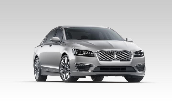 2017 Lincoln MKZ Earns Top Safety Pick from IIHS