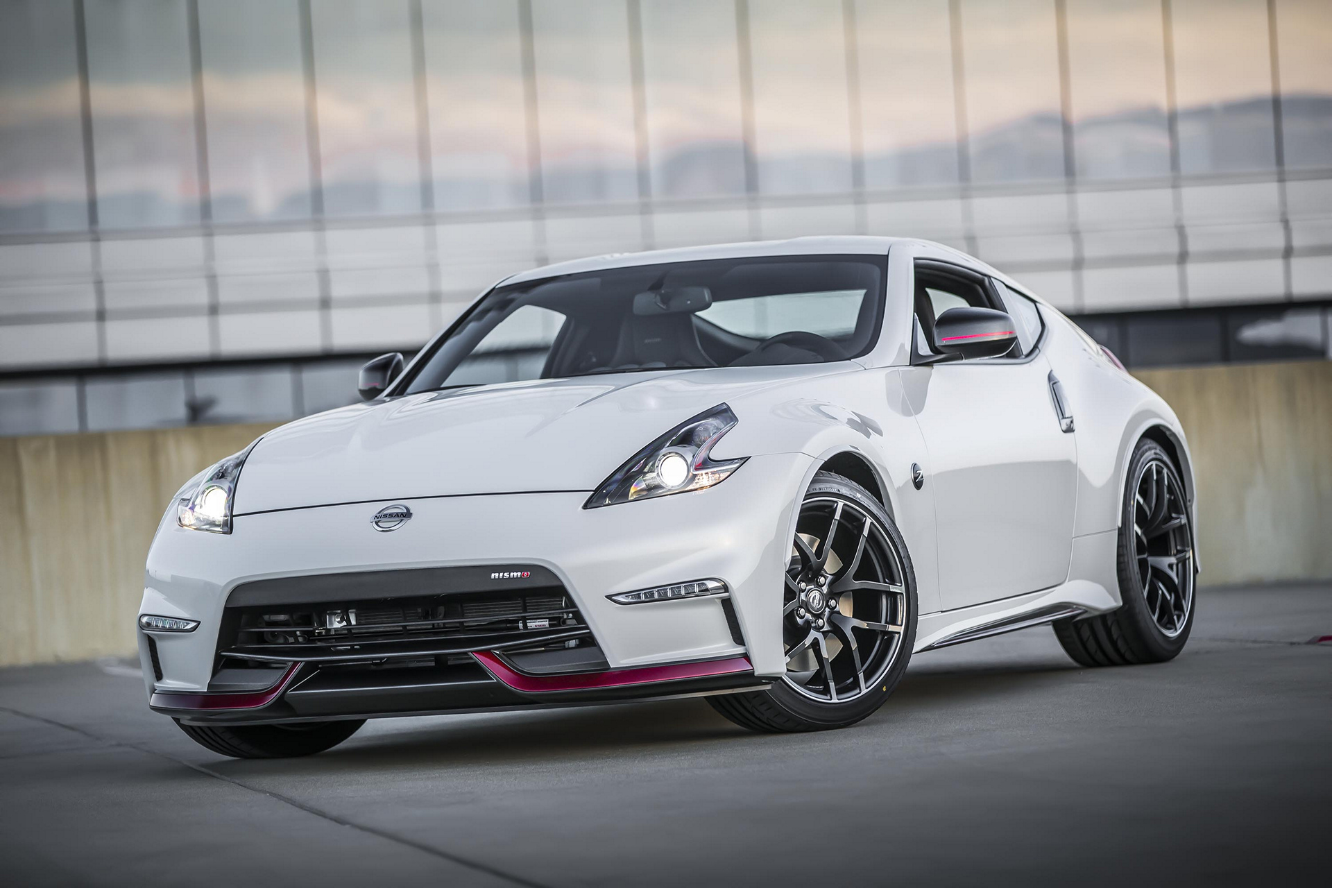 2017 Nissan 370Z NISMO © Nissan Motor Co., Ltd.