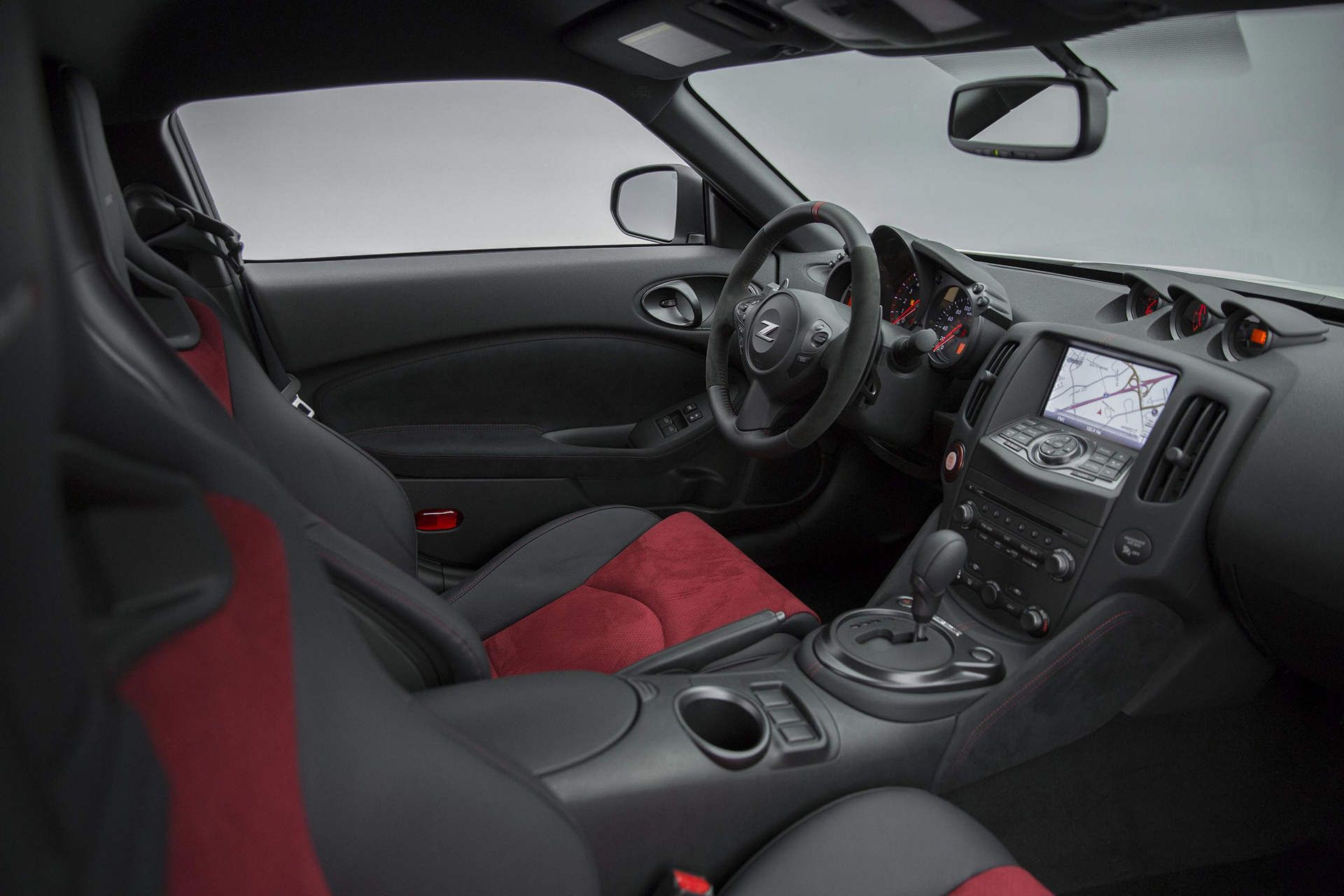 2017 Nissan 370Z NISMO © Nissan Motor Co., Ltd.