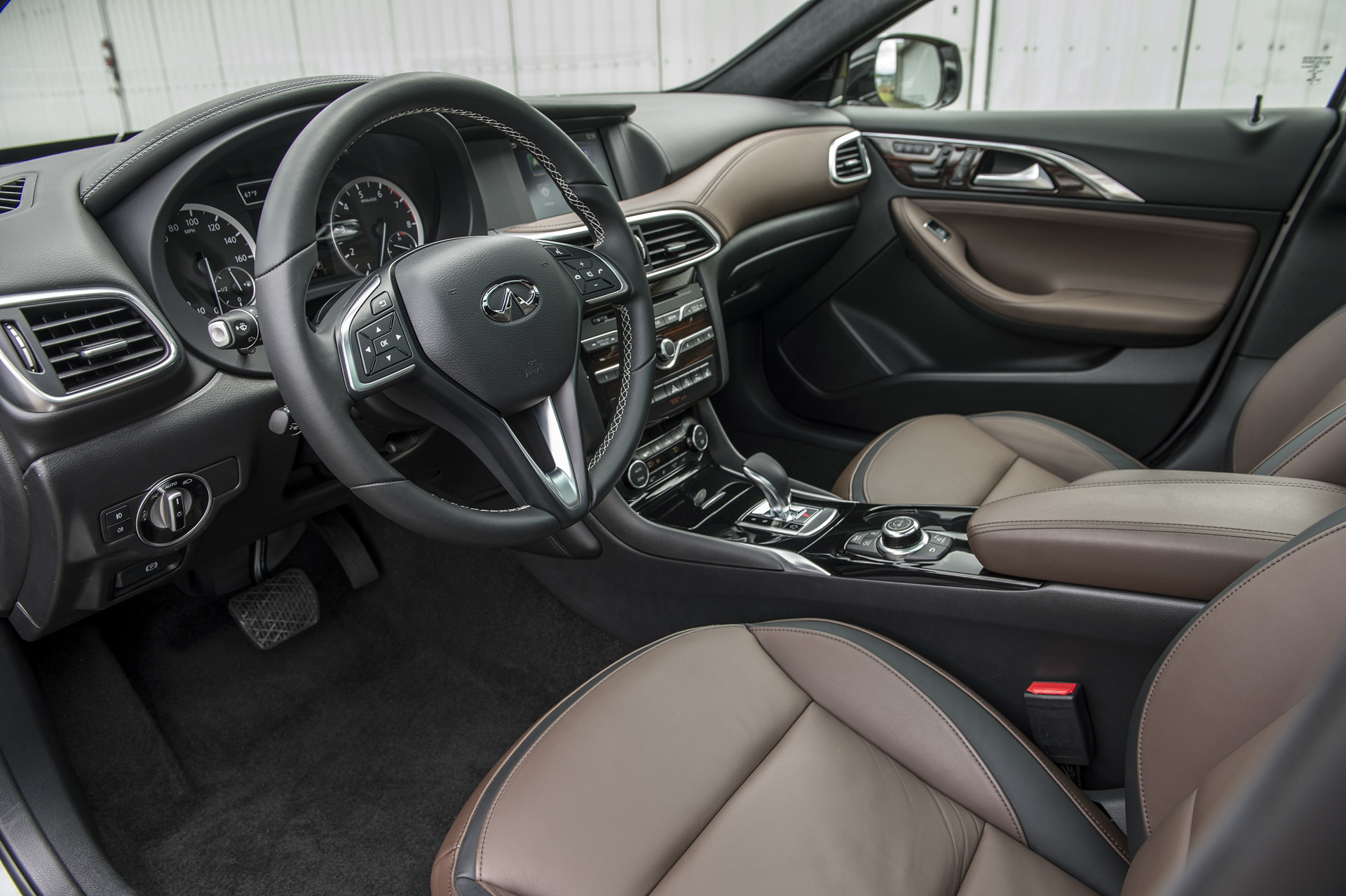 2017 Infiniti QX30 AWD © Nissan Motor Co., Ltd.