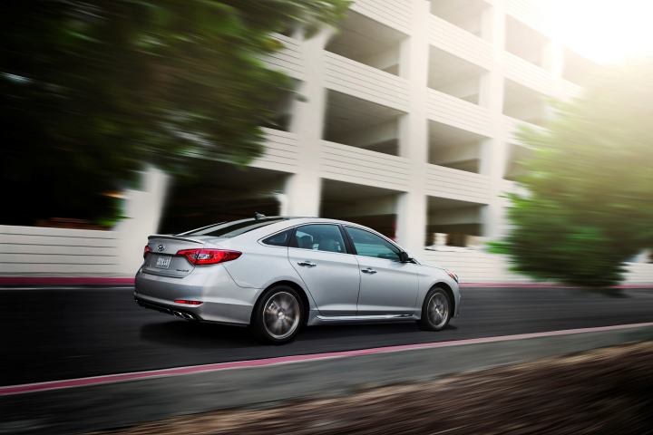 2017 Sonata Adds Dynamic Bending Light to Bevy of Available Safety Features