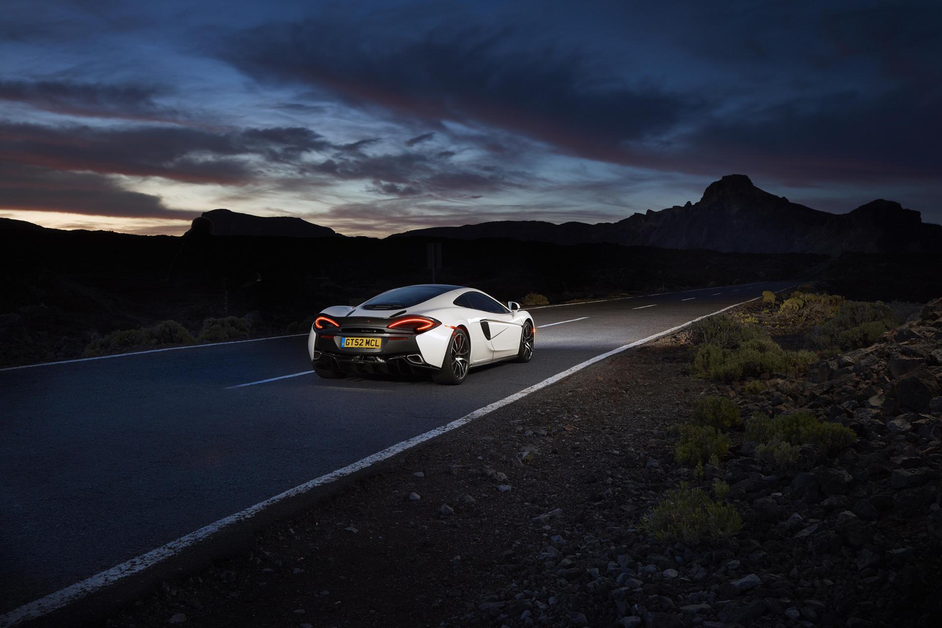 2016 McLaren 570GT © McLaren Automotive