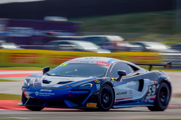 McLaren 570S GT4 development season reaches new high with maiden win at Snetterton © McLaren Automotive
