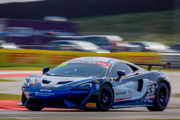 McLaren 570S GT4 development season reaches new high with maiden win at Snetterton © McLaren Automotive