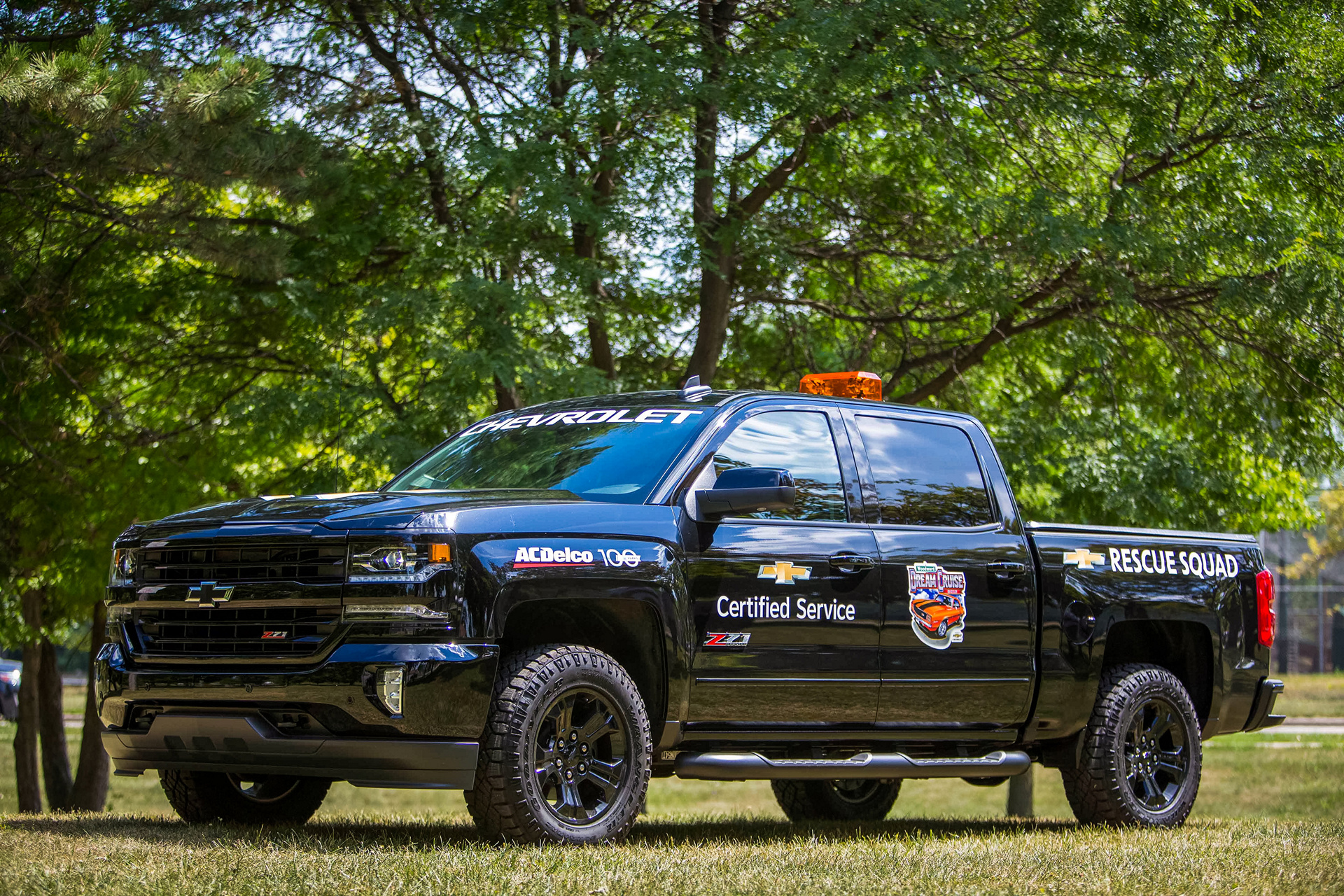 The Chevrolet Certified Service Rescue Squad © General Motors