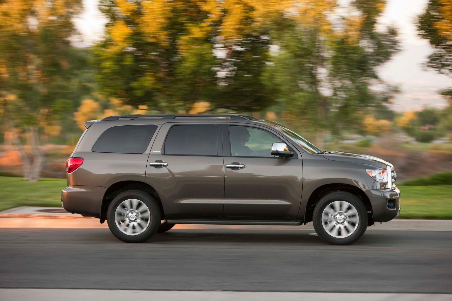 2016 Toyota Sequoia © Toyota Motor Corporation