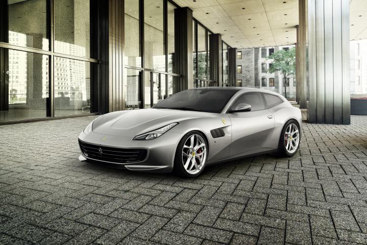 The GTC4lusso T: Nimble, Dynamic, Exhilarating Driving