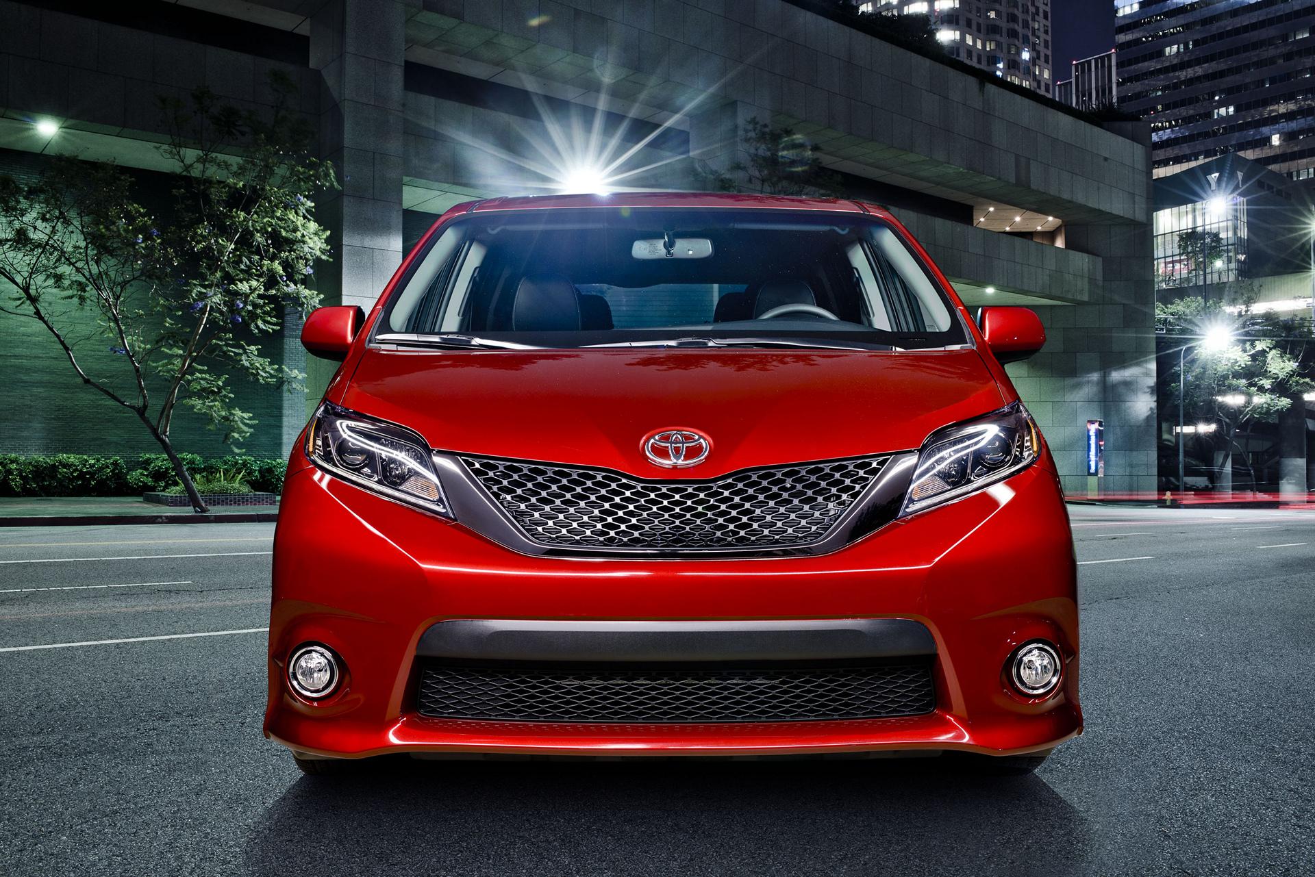 2017 Toyota Sienna SE © Toyota Motor Corporation