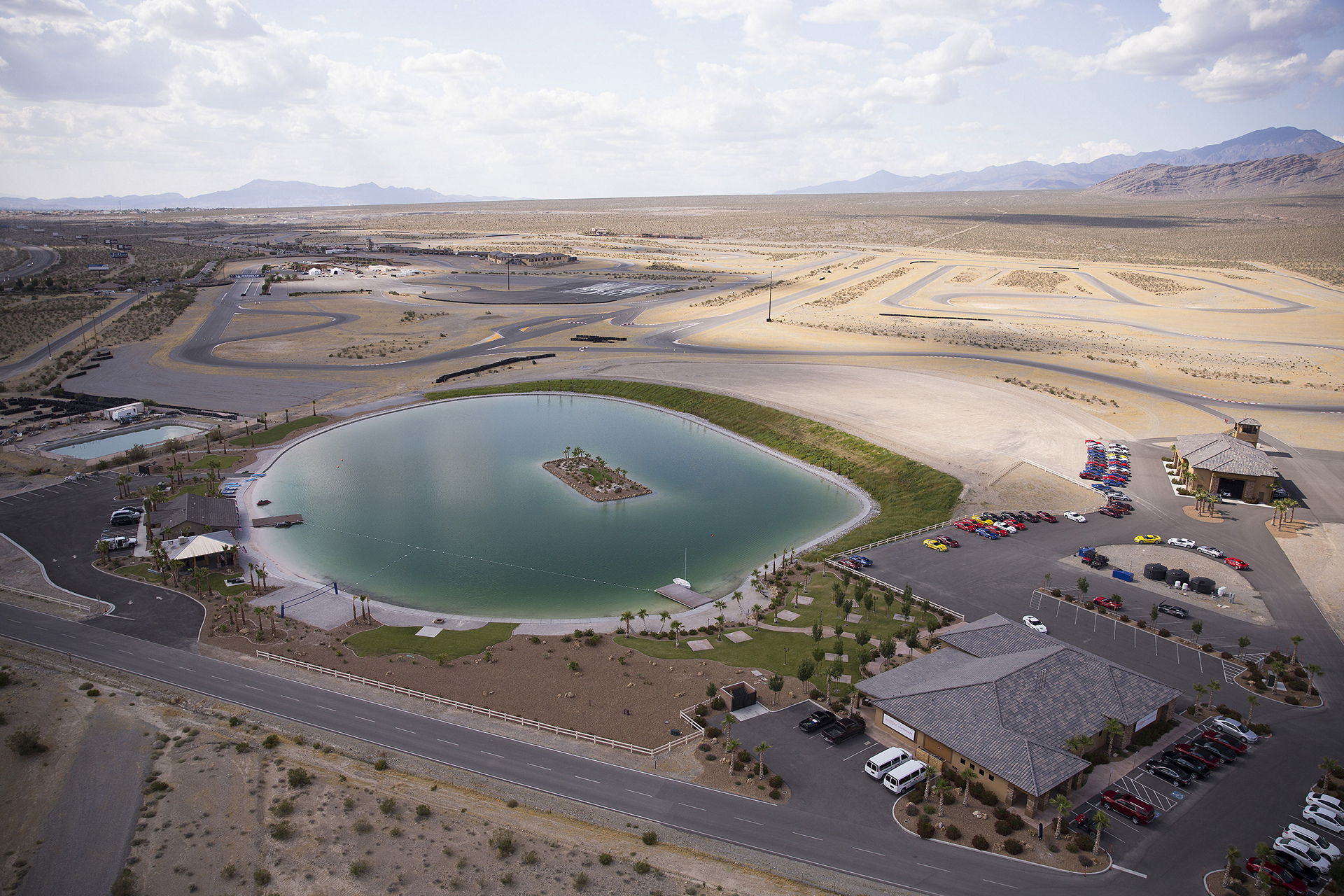 Located 55 miles west of the Las Vegas Strip, Spring Mountain Motor Resort and Country Club boasts the longest road course in North America © General Motors