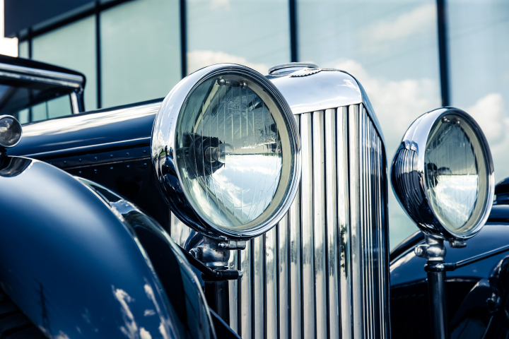 Bentley 8 Litre Retroview