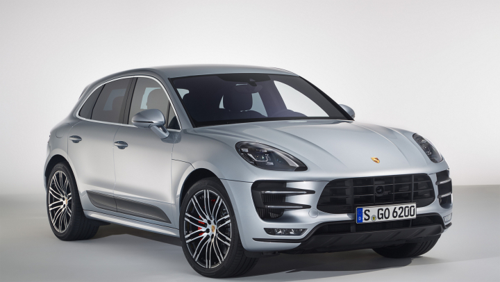 Macan Turbo with Performance Package Tops the Model Line