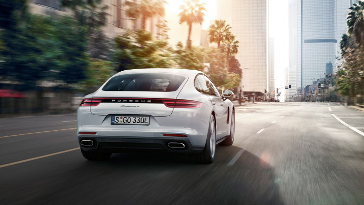 New Hybrid Model of the Panamera Launched